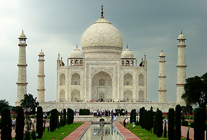 the white marble mausoleum surrounded by four minarets: the Taj Mahal's central piece