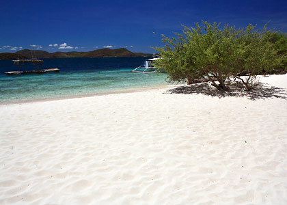 a stretch of fine, white sandy beach on Banana Island