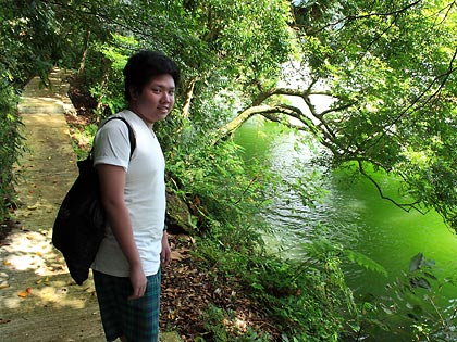 the writers' nephew along the trail around Bulusan Lake