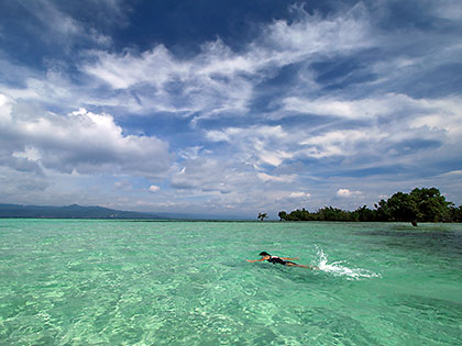 waist-deep aquamarine waters at the Yang-in Sandbar
