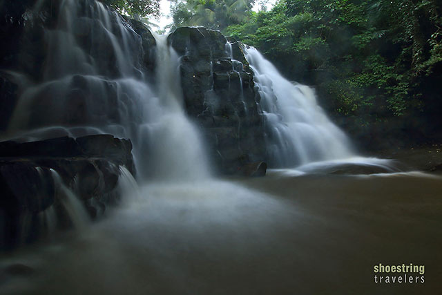 rain falls down around Dahoyhoy Falls
