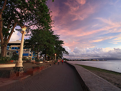 sunrise at the baywalk of Rizal Boulevard, Dumaguete
