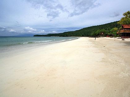 white sand beach at low tide, Gumasa, Glan, Saranggani