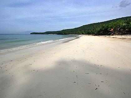 beachfront of Coco Beach Resort, Gumasa Beach
