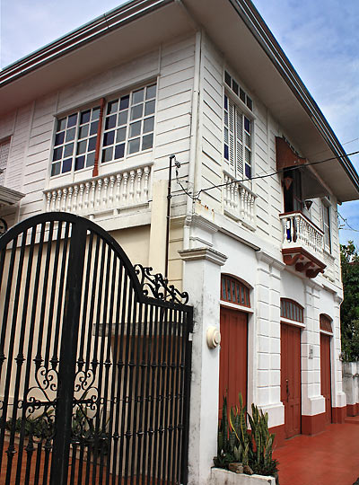 restored ancestral home at Gat Tayaw Street