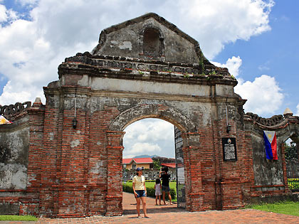 arch entrance, Nagcarlan Underground Cemetery