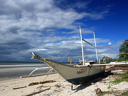 beached boat, Sandugan Beach