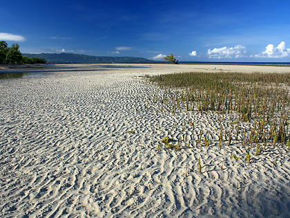 Sandugan Beach at low tide