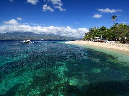 beach and dive resort beside Liloan port, Santander