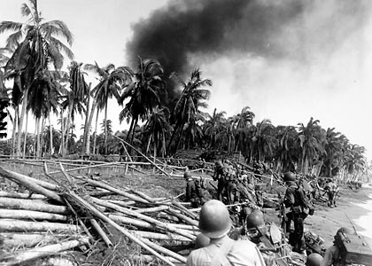 American 7th Cavalry troops in an assault landing in Leyte, October 1944